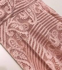 Čipkasta nežno roza oblekica