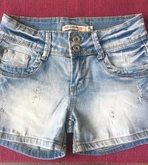 kratke hlače z bleščicami
