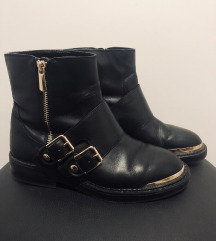 Usnjeni škornji Zara