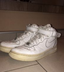 Visoki Air Force 1