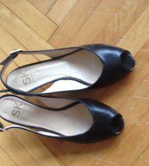Čevlji z nizko petko