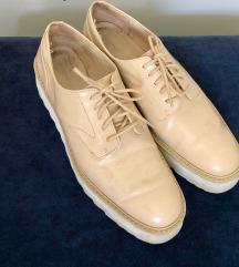 Bež elegantni čevlji Zara