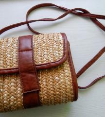 Manjša pletena torbica Bershka