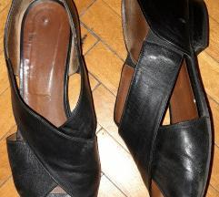 Odprti usnjeni sandali