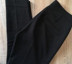 Stradivarius črne hlače
