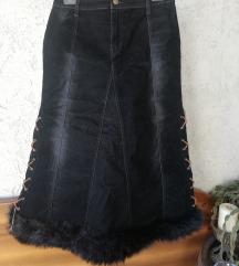 Črno krilo z umetnim krznom
