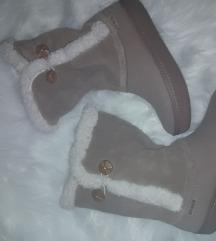 Zimski škornji Crocs