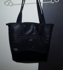črna unikatna torbica