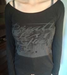 Črna majica z dolgimi rokavi
