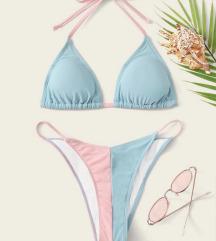 Triangle high cut bikini