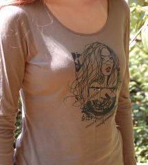 majica z dolgimi rokavi
