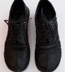 Črni usnjeni prehodni čevlji z vezalkami KHRIO