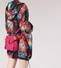 Diesel hot pink torbica nahrbtnik MPC 237€, NOVA