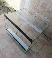 Steklen terarij 40x30x30