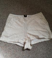 Čipkaste kratke hlače