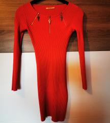 Rdeča zimska obleka