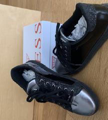 Original čevlji Guess