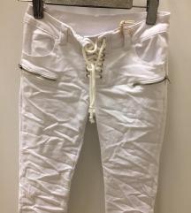 NOVE! bele hlače L