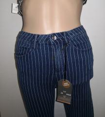 Nove c&a skinny črtaste hlače
