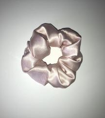 NOV scrunchie-rose