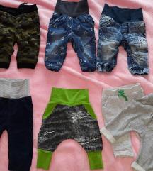 odlično ohranjene hlače za fantka 62/68