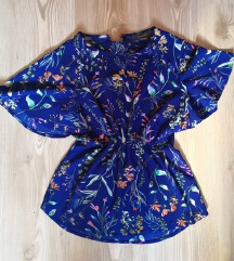 Modra bluza z motivom