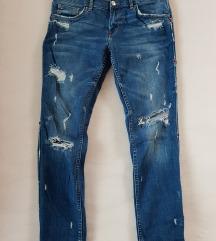 Zara ripped jeans M