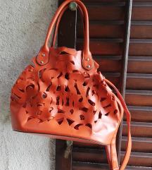 Oranzna luknjasta torbica