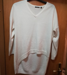 Asimetričen pulover