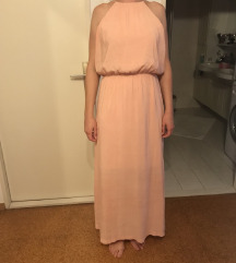 svetlo marelična dolga obleka