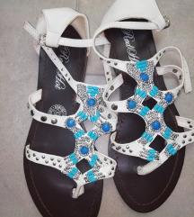 Udobni sandali 39