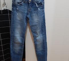 Bershka Push-up 34 jeans