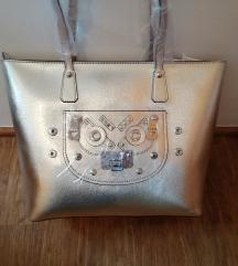 Guess original zlata torbica A4 / NOVA