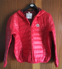 Moncler rdeča prešita jakna