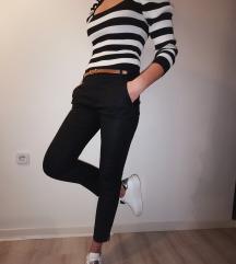 PRODANO! Črne hlače+rjav pasek