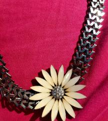 Choker ogrlica z rožo