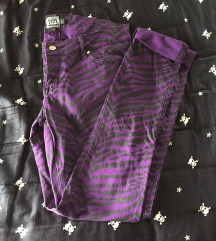 zebra print črno-vijolične kavbojke