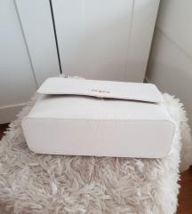 ZNIZANO IZ 240€ Furla original torbica plus trak