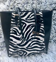 Torbica z zebrastim vzorcem