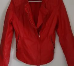 Rdeča usnjena jaknica