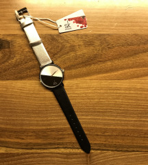 NOVA ženska ura / srebrno črna