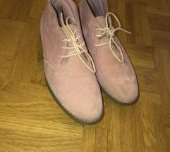 Roza čevlji
