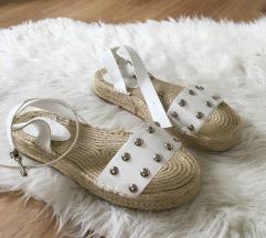 ASOS sandali