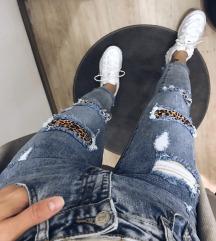 Mom's jeans (leopard detajli)
