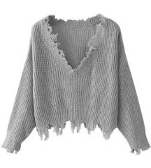 Siv pulover s strganim videzom