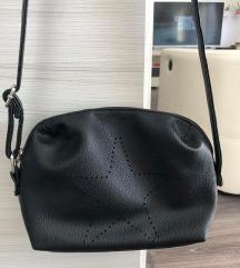 NOVA črna torbica