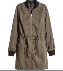 H&M olivno zelena prehodna daljša jakna / parka M