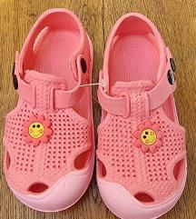 Otroški sandalčki novi