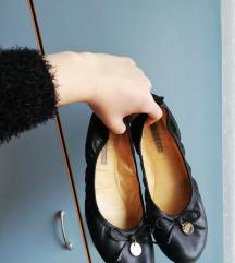 Črne balerinke