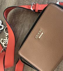 Nova guess torbica mpc 112€